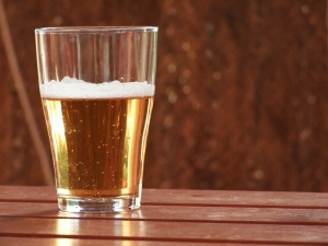 Increased Gastric Cancer Risk for Heavy Beer Drinkers