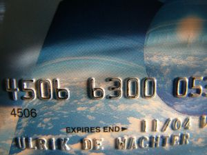 Credit Card Giant American Express To Cut 5,400 Jobs Worldwide in 2013